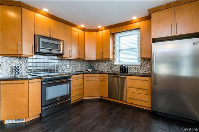 Photo 7: Photos: 884 Fisher Street in Winnipeg: Riverview Residential for sale (1A)  : MLS®# 1805068