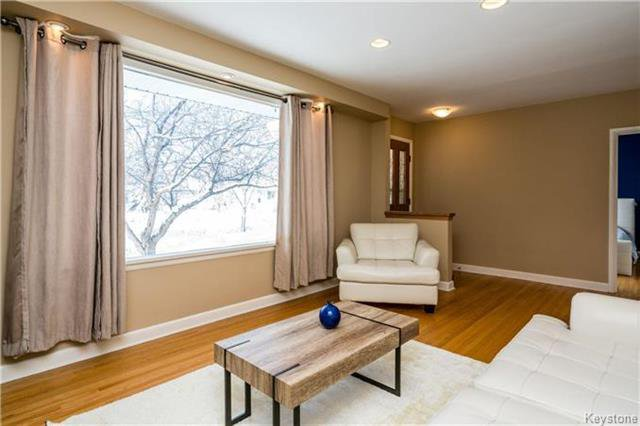 Photo 4: Photos: 884 Fisher Street in Winnipeg: Riverview Residential for sale (1A)  : MLS®# 1805068
