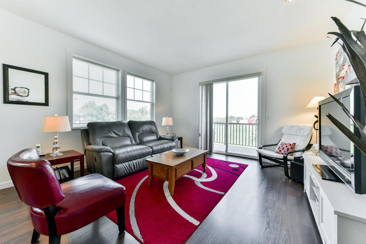 """Photo 5: Photos: 34 7348 192A Street in Surrey: Clayton Townhouse for sale in """"KNOLL"""" (Cloverdale)  : MLS®# R2271971"""