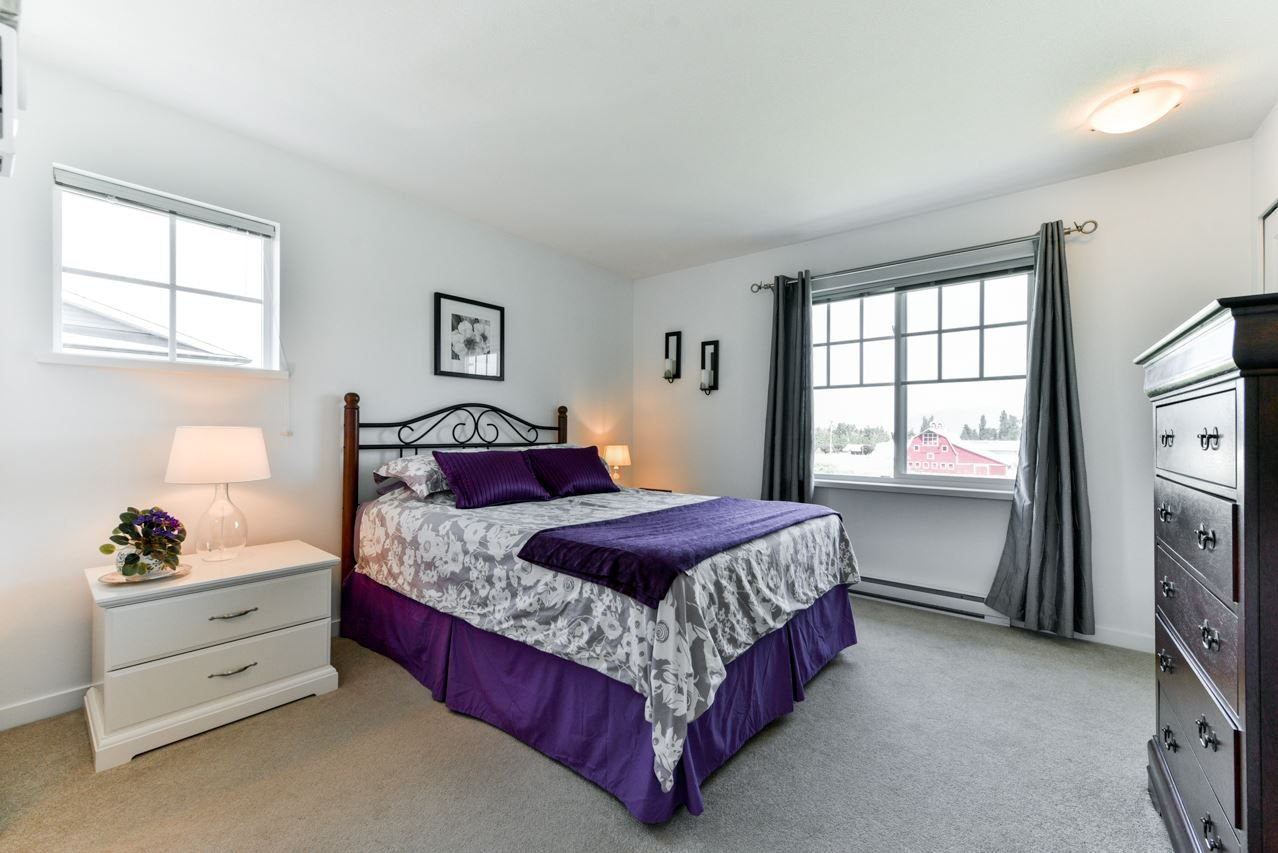 """Photo 10: Photos: 34 7348 192A Street in Surrey: Clayton Townhouse for sale in """"KNOLL"""" (Cloverdale)  : MLS®# R2271971"""