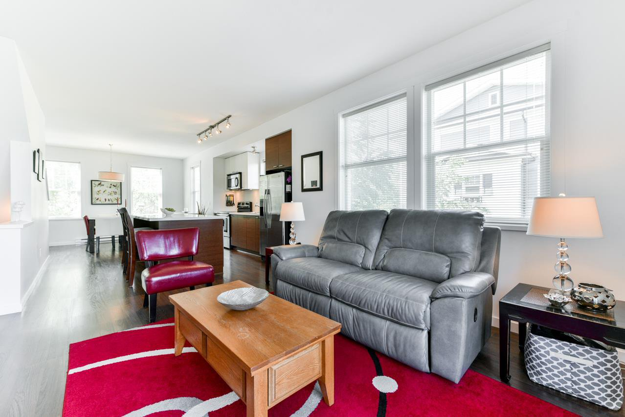 """Photo 6: Photos: 34 7348 192A Street in Surrey: Clayton Townhouse for sale in """"KNOLL"""" (Cloverdale)  : MLS®# R2271971"""