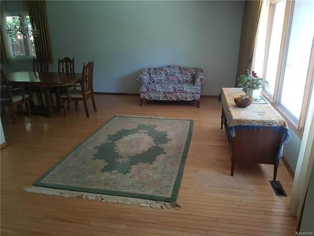 Photo 3: Photos: 6 Buckle Drive in Winnipeg: Residential for sale (1G)  : MLS®# 1815084
