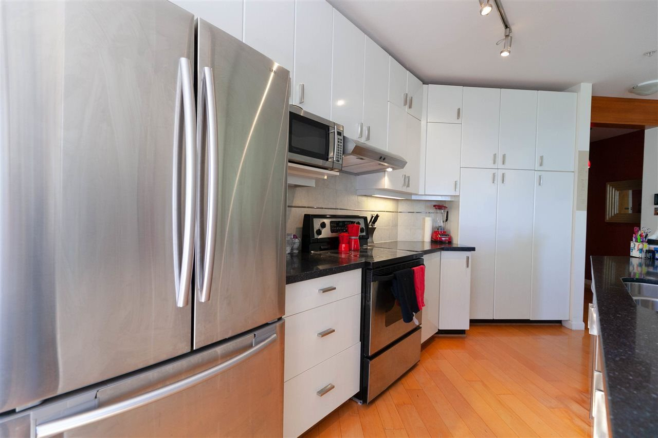 """Photo 2: Photos: 301 580 RAVENWOODS Drive in North Vancouver: Roche Point Condo for sale in """"Seasons"""" : MLS®# R2288594"""