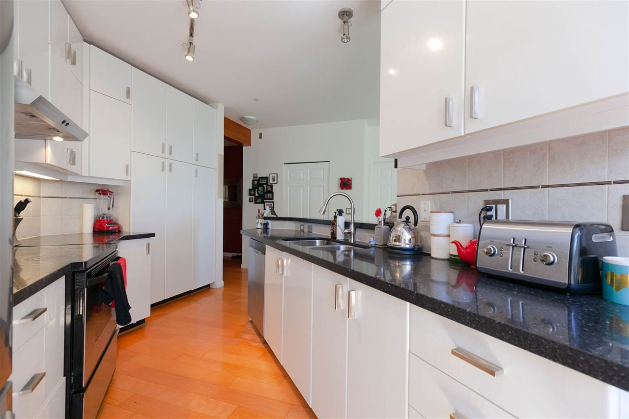 """Photo 3: Photos: 301 580 RAVENWOODS Drive in North Vancouver: Roche Point Condo for sale in """"Seasons"""" : MLS®# R2288594"""