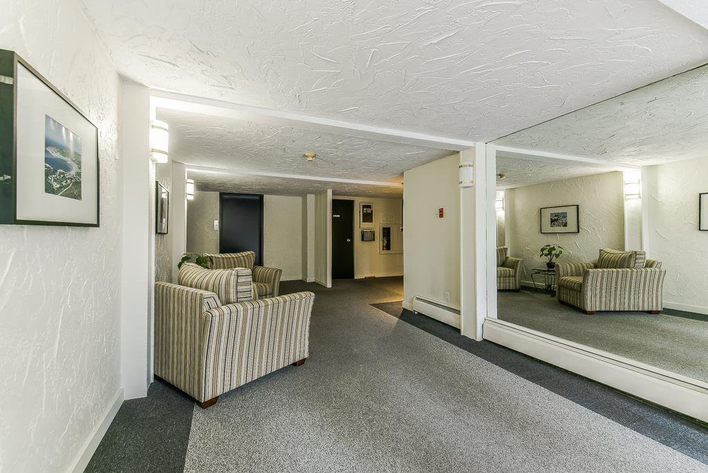 """Photo 2: Photos: 211 707 HAMILTON Street in New Westminster: Uptown NW Condo for sale in """"CASA DIANN"""" : MLS®# R2345218"""