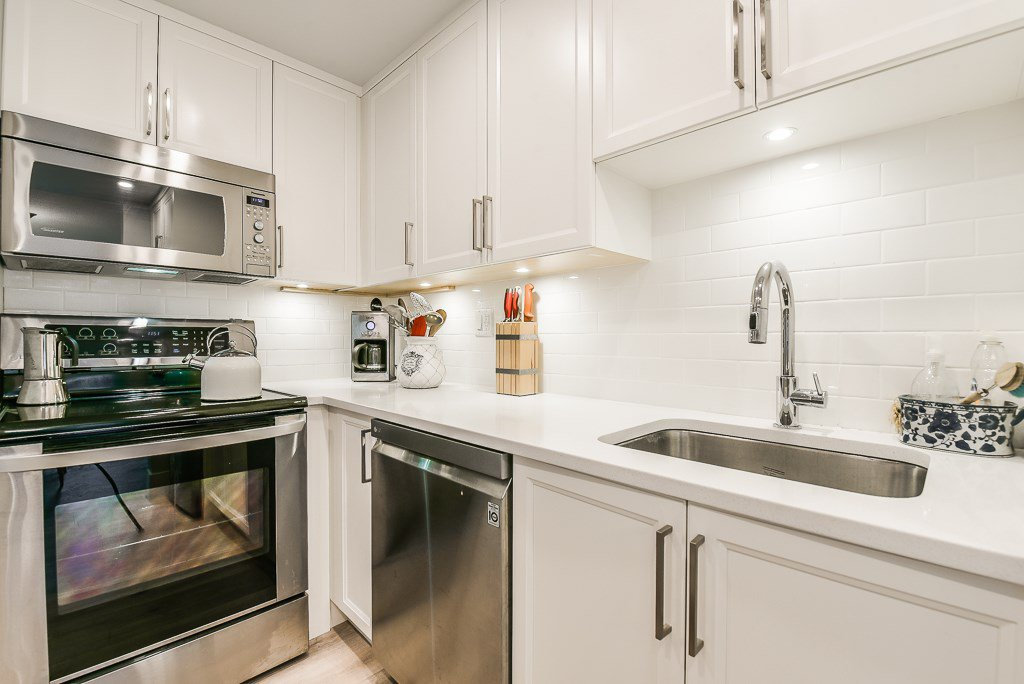 """Photo 10: Photos: 211 707 HAMILTON Street in New Westminster: Uptown NW Condo for sale in """"CASA DIANN"""" : MLS®# R2345218"""