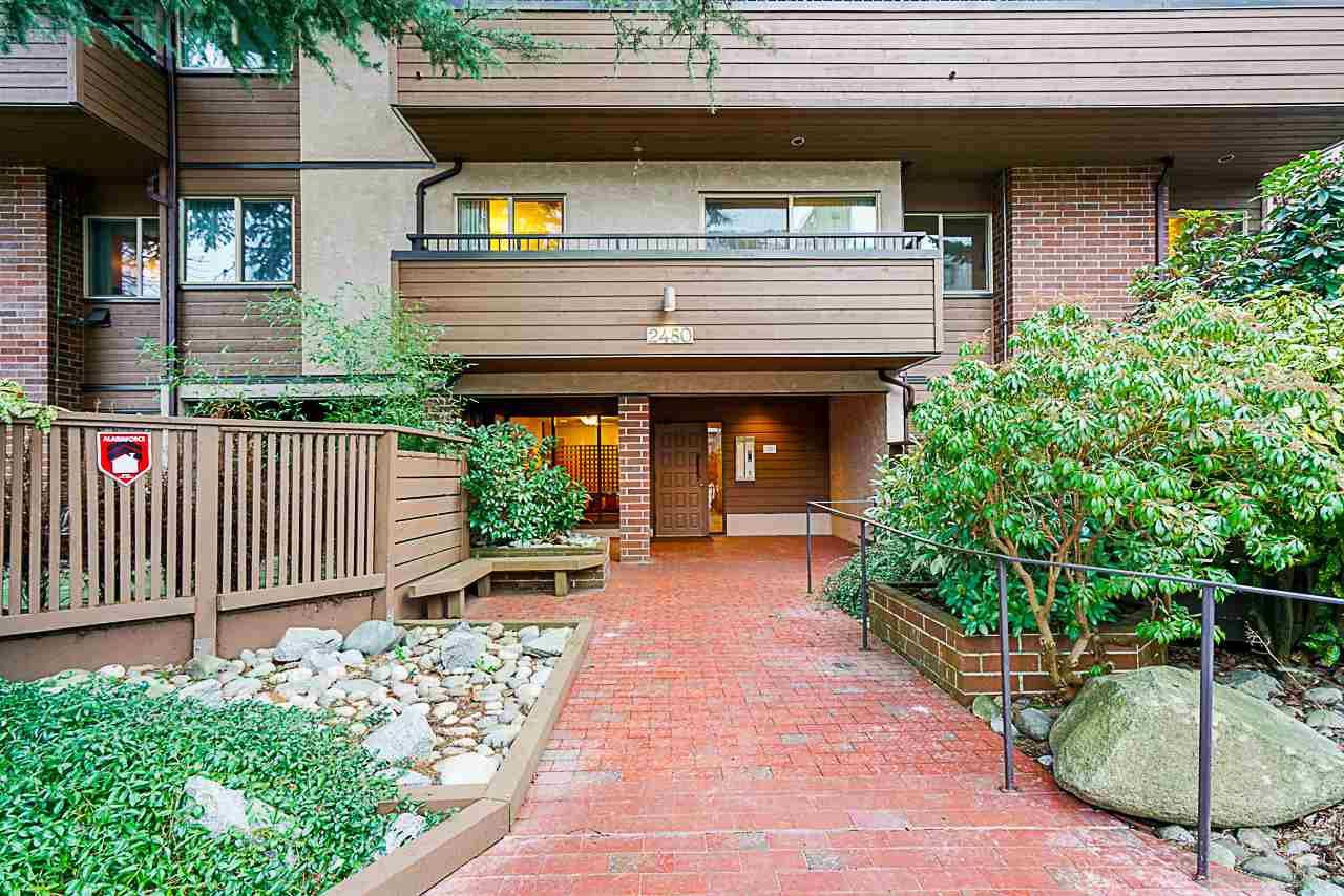 "Main Photo: 202 2480 W 3RD Avenue in Vancouver: Kitsilano Condo for sale in ""Westvale"" (Vancouver West)  : MLS®# R2351895"