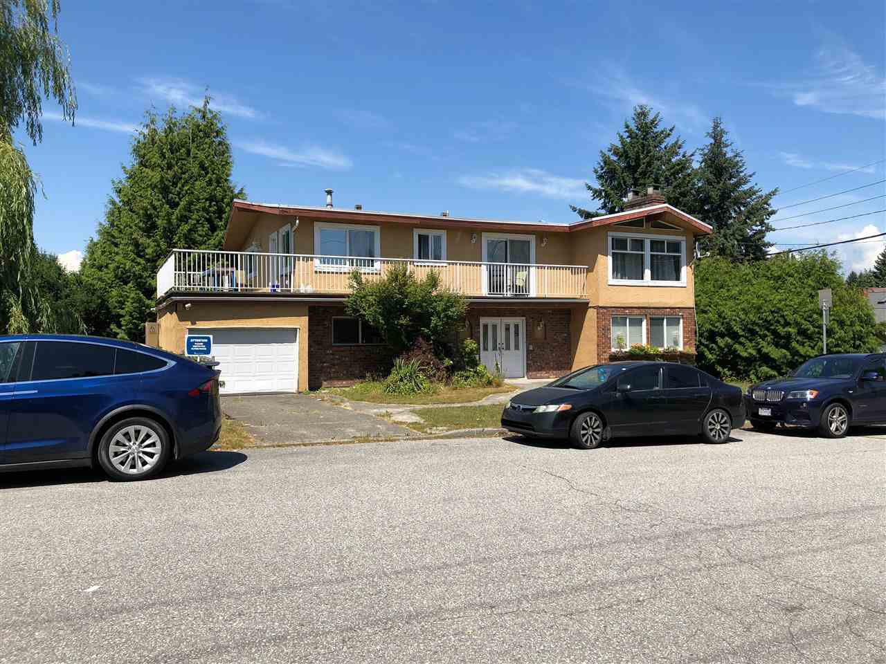 """Main Photo: 5185 WOODSWORTH Street in Burnaby: Greentree Village House for sale in """"DOUGLAS-GILPIN BURNABY SOUTH"""" (Burnaby South)  : MLS®# R2382918"""