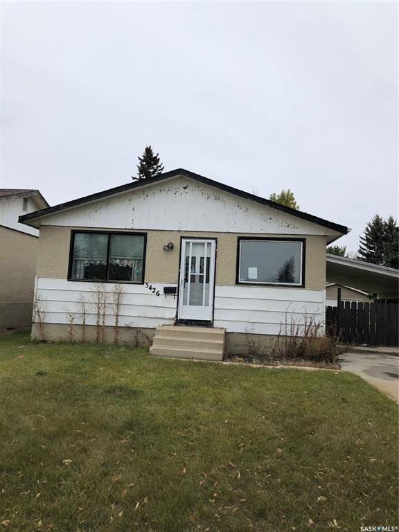 Main Photo: 3426 Diefenbaker Drive in Saskatoon: Confederation Park Residential for sale : MLS®# SK789875