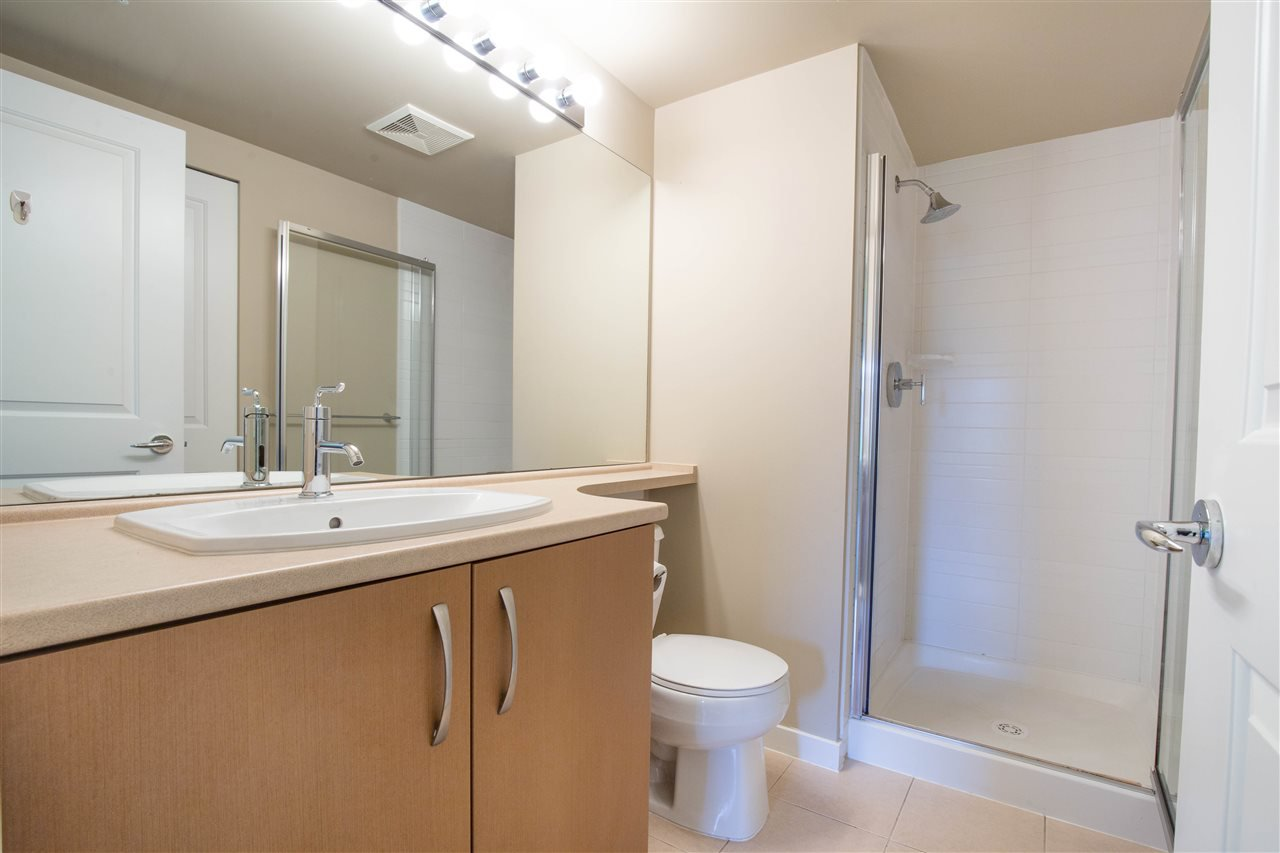 "Photo 13: Photos: 323 9288 ODLIN Road in Richmond: West Cambie Condo for sale in ""MERIDIAN GATE"" : MLS®# R2472996"