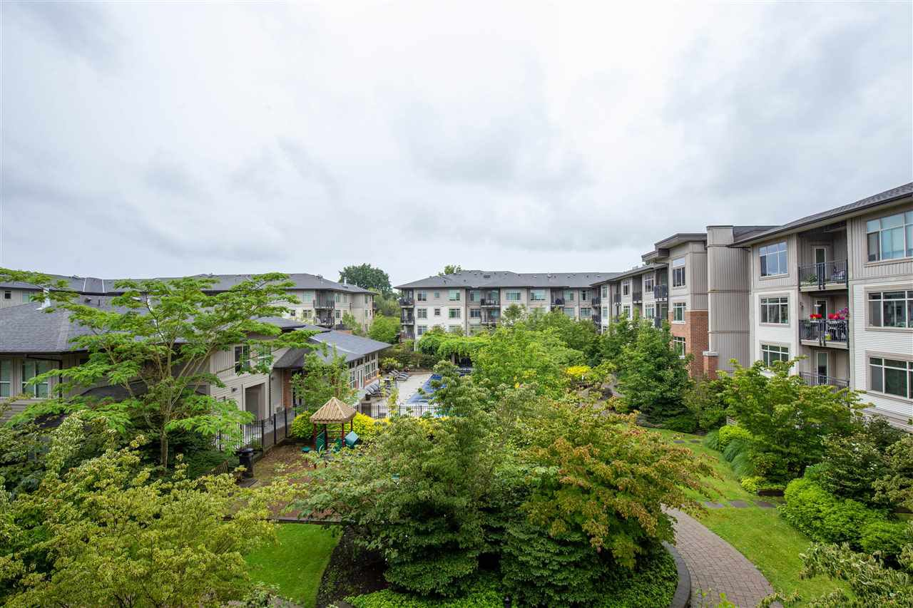 "Photo 17: Photos: 323 9288 ODLIN Road in Richmond: West Cambie Condo for sale in ""MERIDIAN GATE"" : MLS®# R2472996"