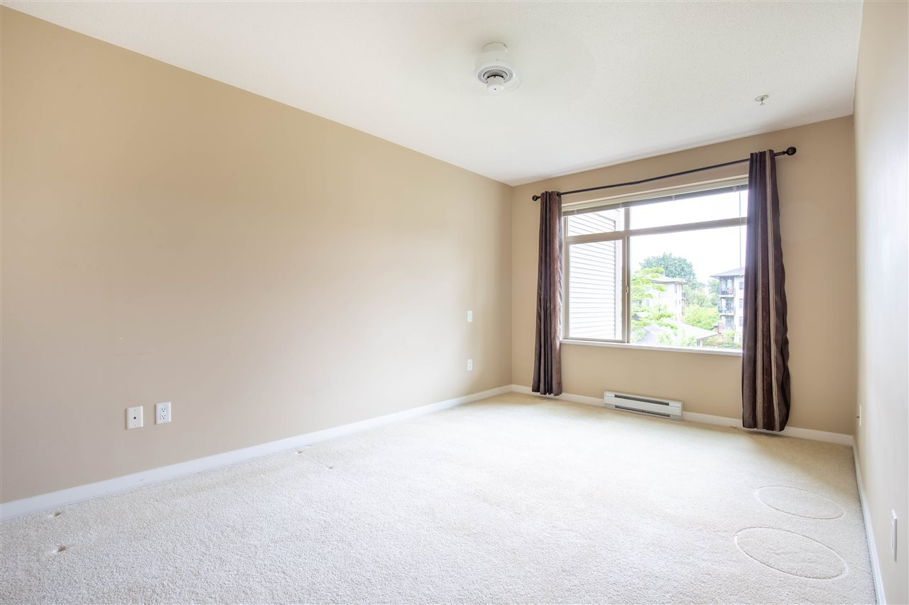 "Photo 9: Photos: 323 9288 ODLIN Road in Richmond: West Cambie Condo for sale in ""MERIDIAN GATE"" : MLS®# R2472996"