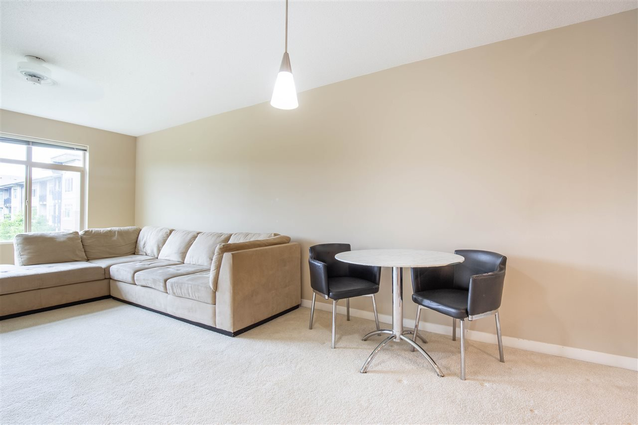 "Photo 8: Photos: 323 9288 ODLIN Road in Richmond: West Cambie Condo for sale in ""MERIDIAN GATE"" : MLS®# R2472996"