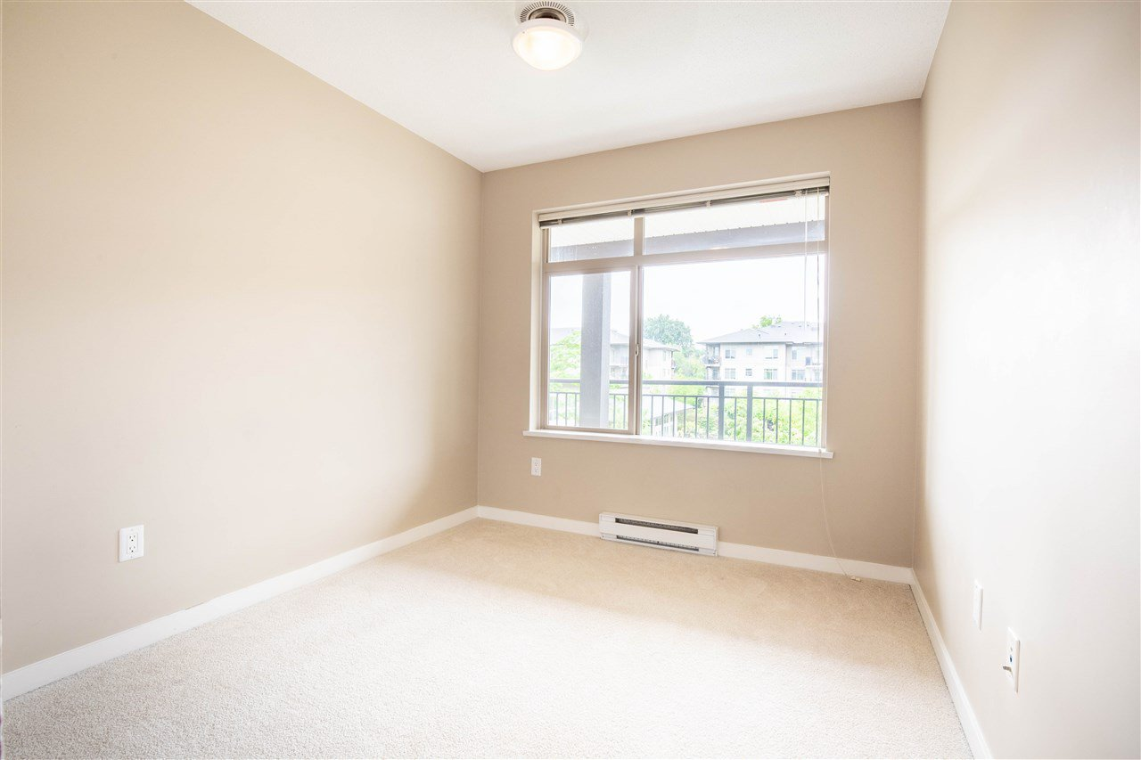 "Photo 12: Photos: 323 9288 ODLIN Road in Richmond: West Cambie Condo for sale in ""MERIDIAN GATE"" : MLS®# R2472996"