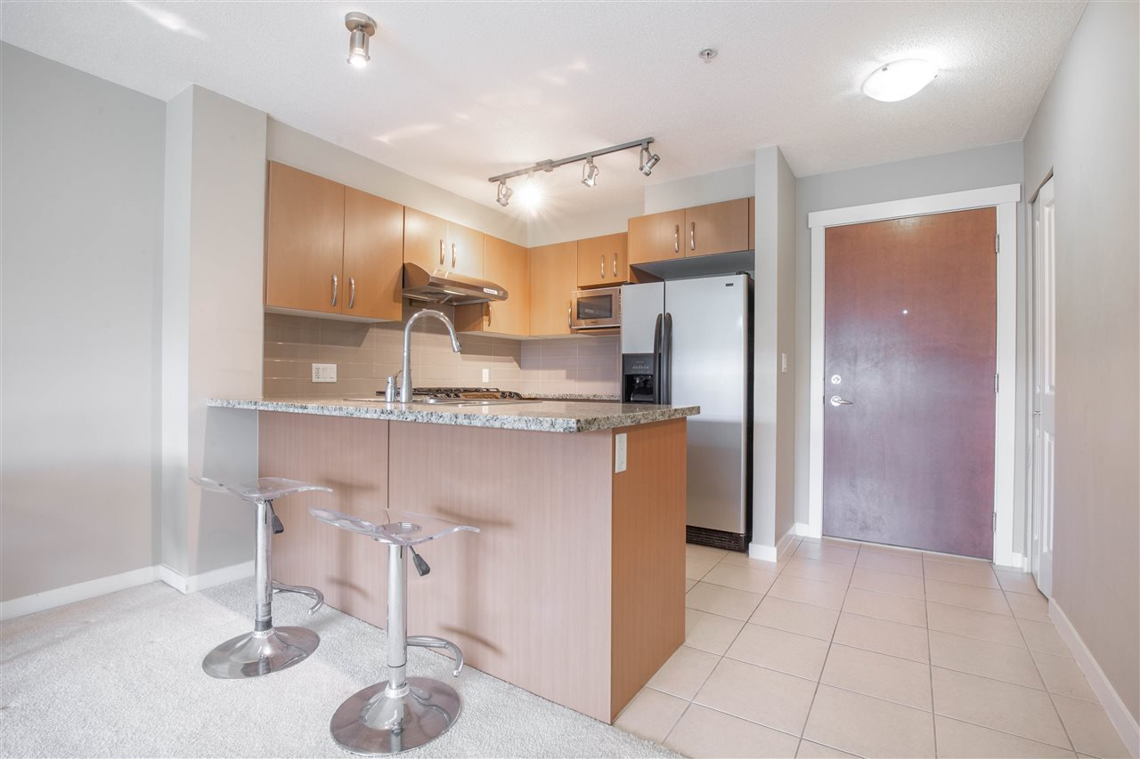 "Photo 3: Photos: 323 9288 ODLIN Road in Richmond: West Cambie Condo for sale in ""MERIDIAN GATE"" : MLS®# R2472996"