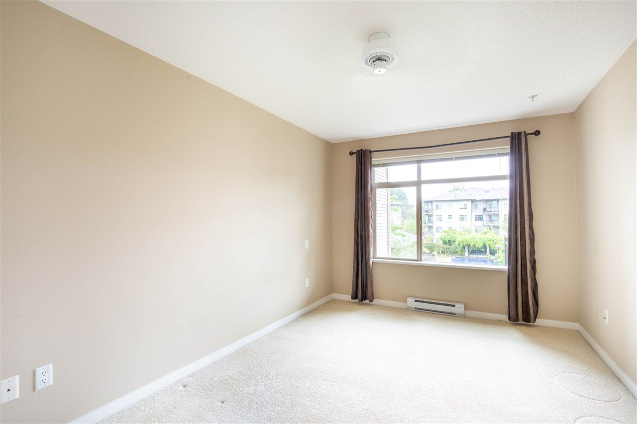 "Photo 15: Photos: 323 9288 ODLIN Road in Richmond: West Cambie Condo for sale in ""MERIDIAN GATE"" : MLS®# R2472996"