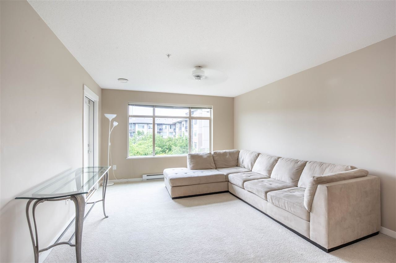 "Photo 7: Photos: 323 9288 ODLIN Road in Richmond: West Cambie Condo for sale in ""MERIDIAN GATE"" : MLS®# R2472996"