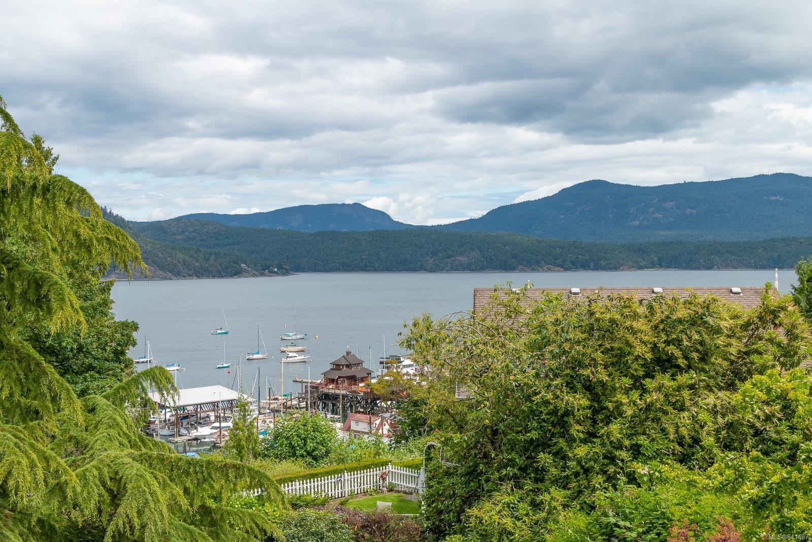 Main Photo: 1801 Pritchard Rd in Cowichan Bay: Du Cowichan Bay House for sale (Duncan)  : MLS®# 841497