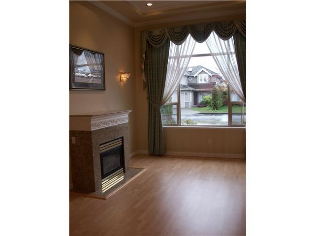 """Photo 2: Photos: 9275 PAULESHIN in Richmond: Lackner House for sale in """"LACKNER"""" : MLS®# V875252"""