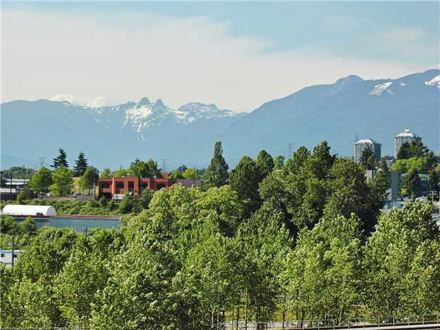 Photo 10: Photos: # 1006 4182 DAWSON ST in Burnaby: Brentwood Park Condo for sale (Burnaby North)  : MLS®# V1007294