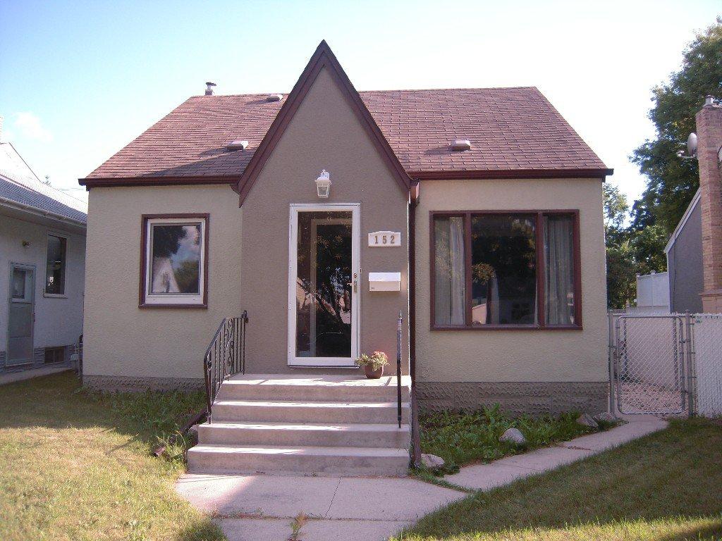 Main Photo: 152 Tait Avenue in Winnipeg: West Kildonan / Garden City Residential for sale (North West Winnipeg)  : MLS®# 1314462