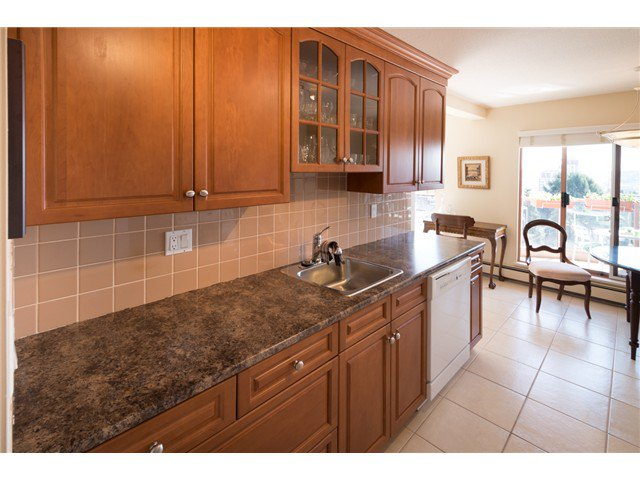 "Photo 9: Photos: 901 612 FIFTH Avenue in New Westminster: Uptown NW Condo for sale in ""UPTOWN"" : MLS®# V1056153"