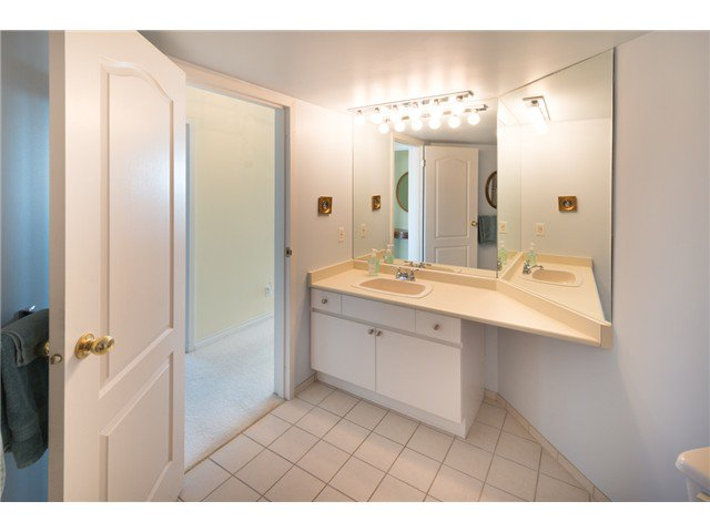 "Photo 16: Photos: 901 612 FIFTH Avenue in New Westminster: Uptown NW Condo for sale in ""UPTOWN"" : MLS®# V1056153"