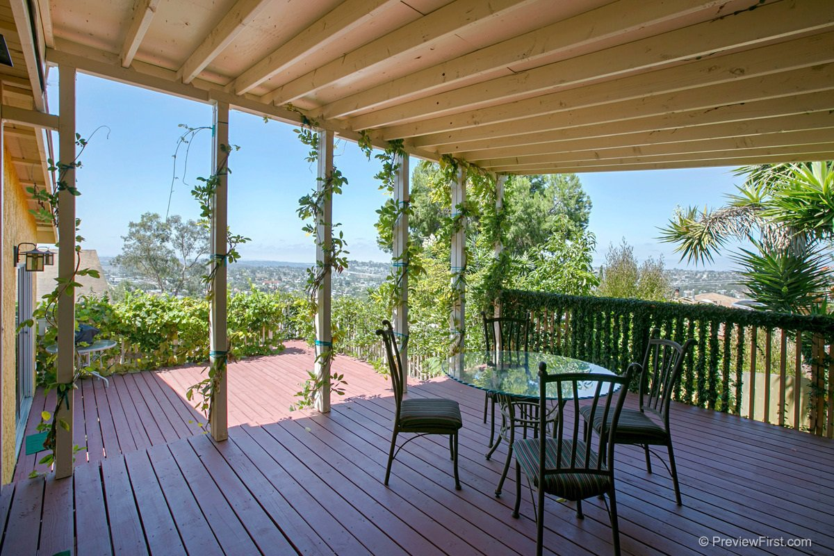 Main Photo: SPRING VALLEY House for sale : 3 bedrooms : 1302 Paraiso Ave