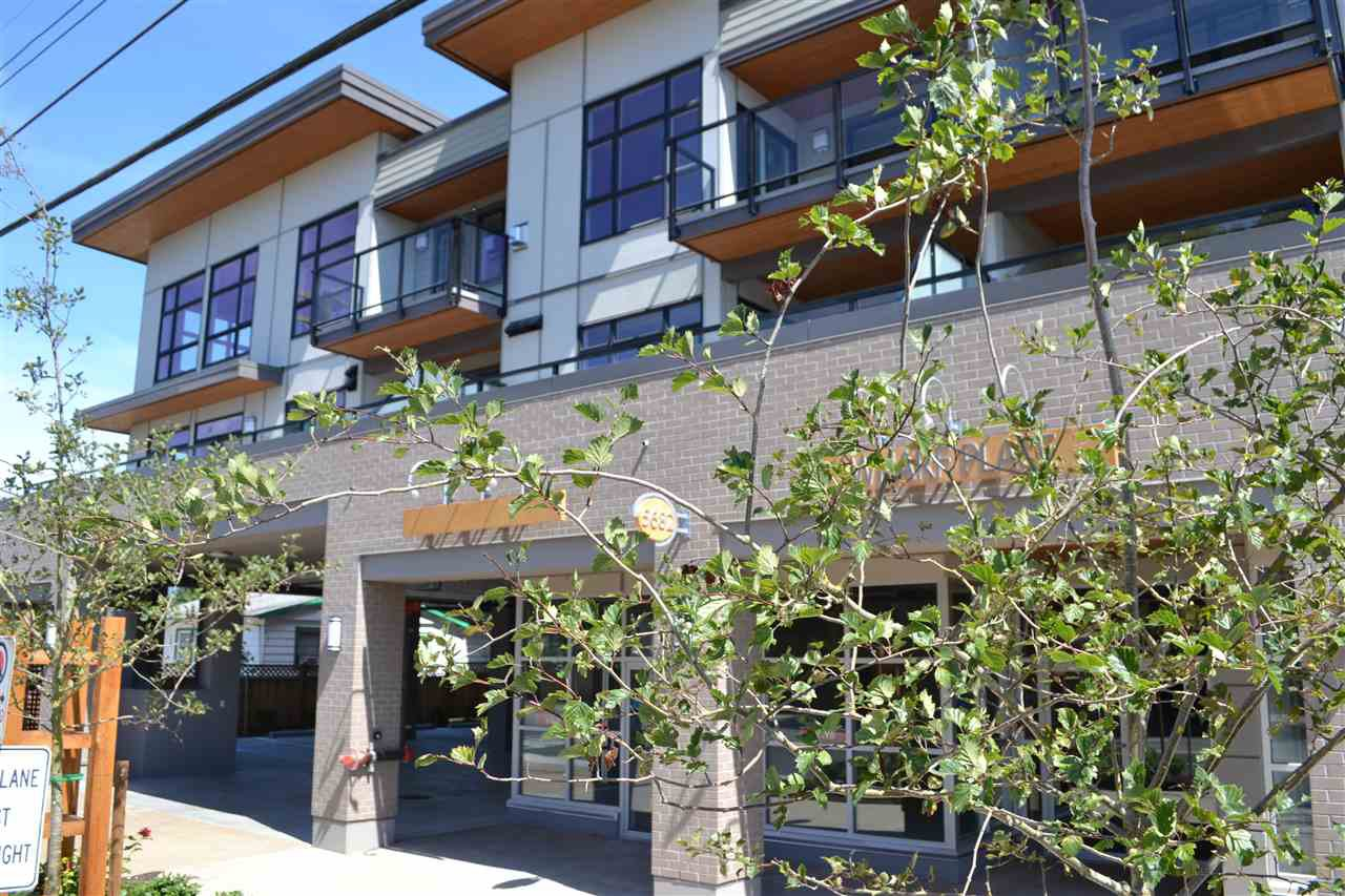 Main Photo: 312 5682 WHARF Avenue in Sechelt: Sechelt District Condo for sale (Sunshine Coast)  : MLS®# R2044638