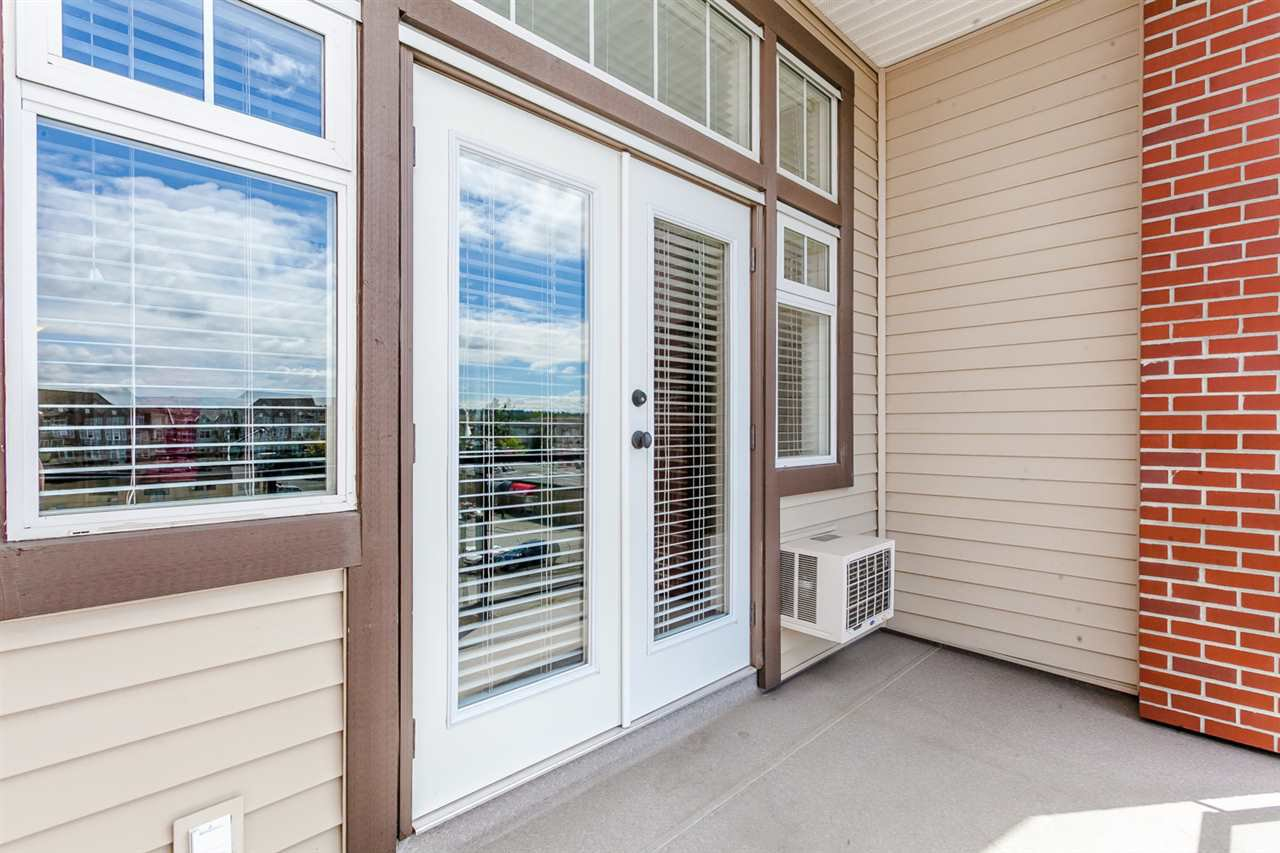 """Photo 14: Photos: 410 5650 201A Street in Langley: Langley City Condo for sale in """"Paddington Station"""" : MLS®# R2087664"""