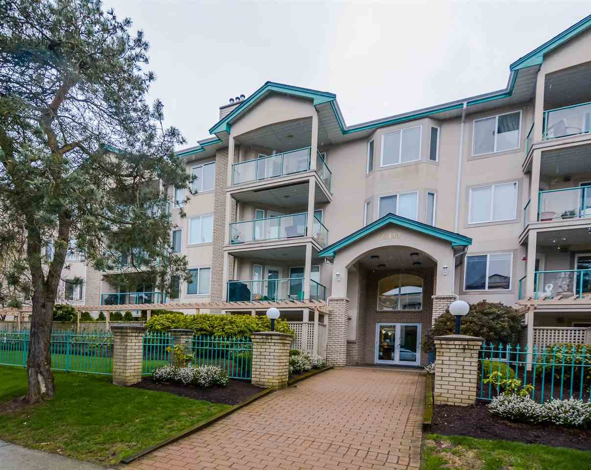"Main Photo: 407 20443 53 Avenue in Langley: Langley City Condo for sale in ""COUNTRY SIDE ESTATES"" : MLS®# R2150486"
