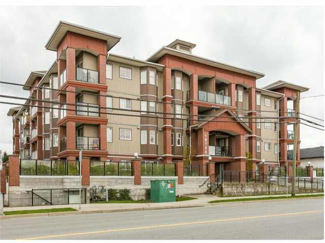 "Main Photo: 209 19730 56 Avenue in Langley: Langley City Condo for sale in ""MADISON PLACE"" : MLS®# R2183855"
