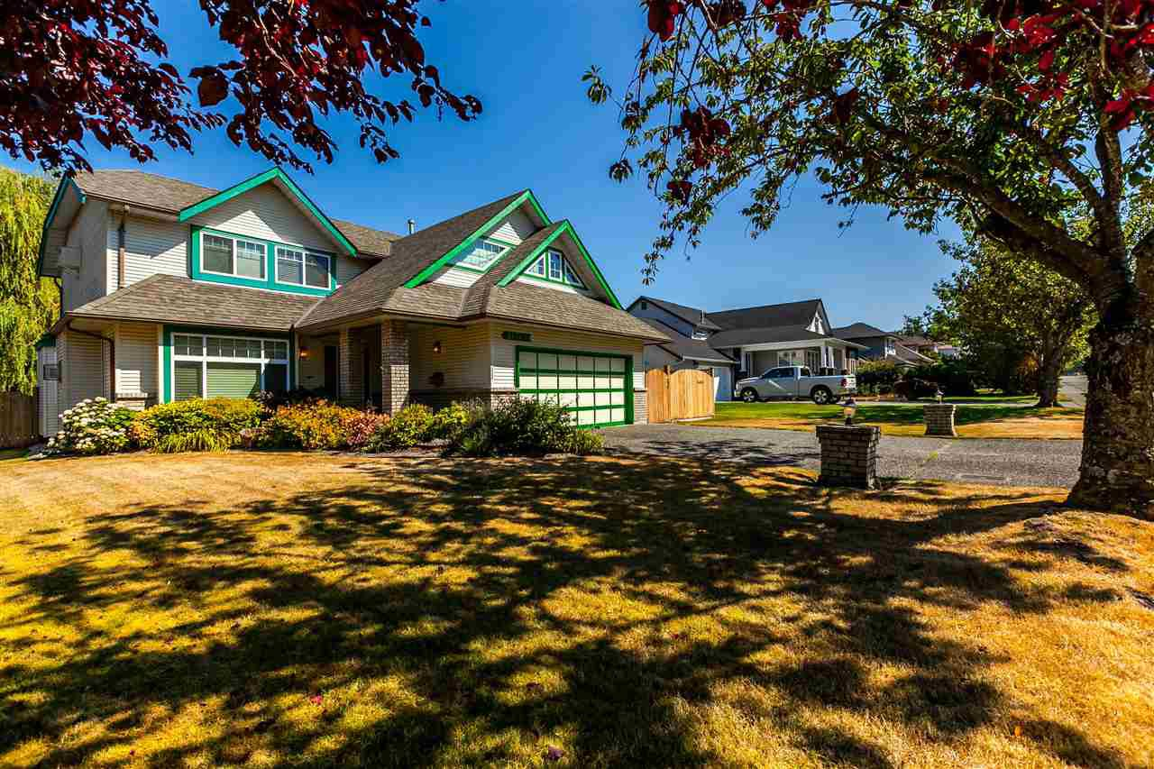 "Main Photo: 21769 46 Avenue in Langley: Murrayville House for sale in ""Murrayville"" : MLS®# R2199832"