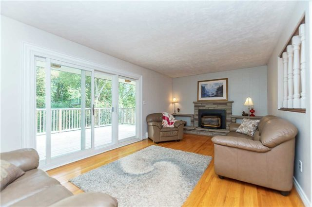 Photo 3: Photos: 913 Walnut Court in Oshawa: Donevan House (Bungalow) for sale : MLS®# E3931287