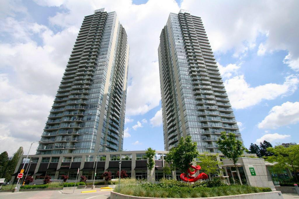Main Photo: #1501 - 9981 Whalley Blvd, in Surrey: Whalley Condo for sale (North Surrey)  : MLS®# R2219714
