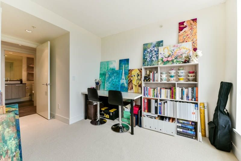 Photo 10: Photos: 2608 3007 GLEN Drive in Coquitlam: North Coquitlam Condo for sale : MLS®# R2246438