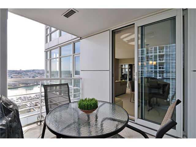 Main Photo: 2606 198 AQUARIUS MEWS in VANCOUVER: Yaletown Condo for sale (Vancouver)  : MLS®# V934717