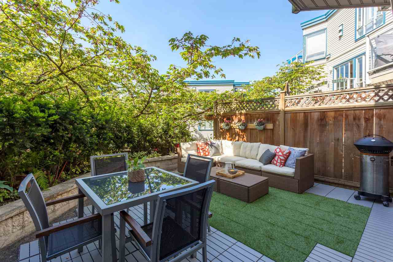 """Main Photo: 110 889 W 7TH Avenue in Vancouver: Fairview VW Townhouse for sale in """"PARKVIEW TERRACE"""" (Vancouver West)  : MLS®# R2268820"""