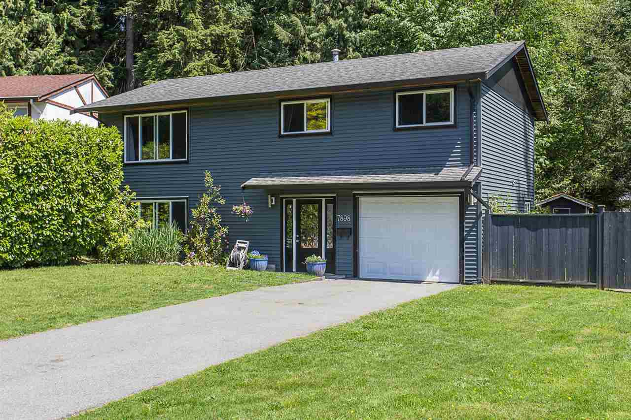 Main Photo: 7898 THRASHER Street in Mission: Mission BC House for sale : MLS®# R2268941
