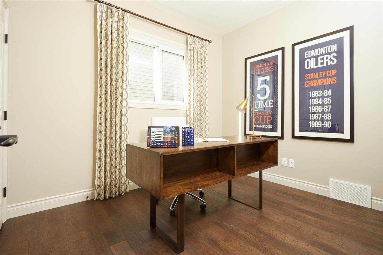 Photo 2: Photos: 1616 19 Street in Edmonton: Zone 30 House for sale : MLS®# E4129466