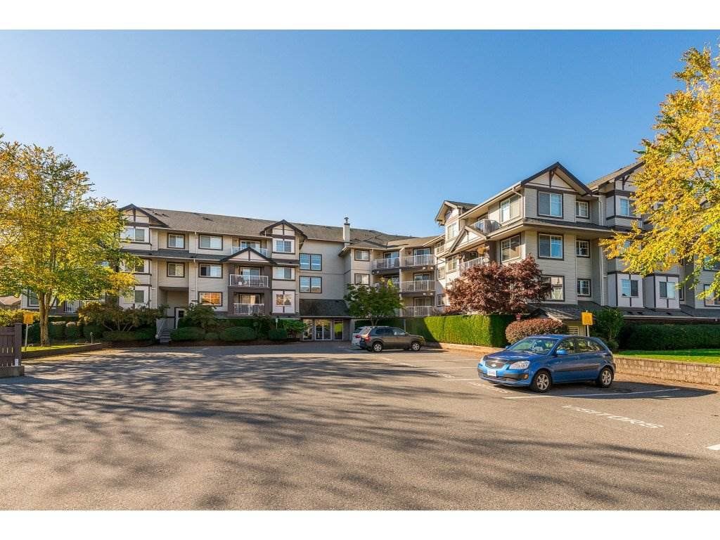 "Main Photo: 403 19320 65 Avenue in Surrey: Clayton Condo for sale in ""ESPRIT at Southlands"" (Cloverdale)  : MLS®# R2318970"