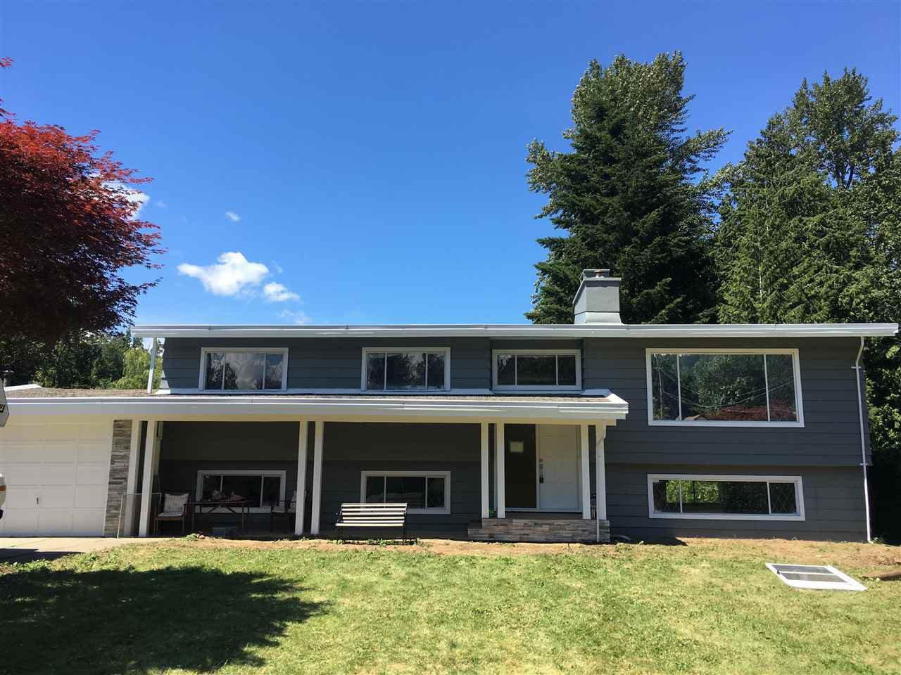 Main Photo: 489 NAISMITH Avenue: Harrison Hot Springs House for sale : MLS®# R2327233