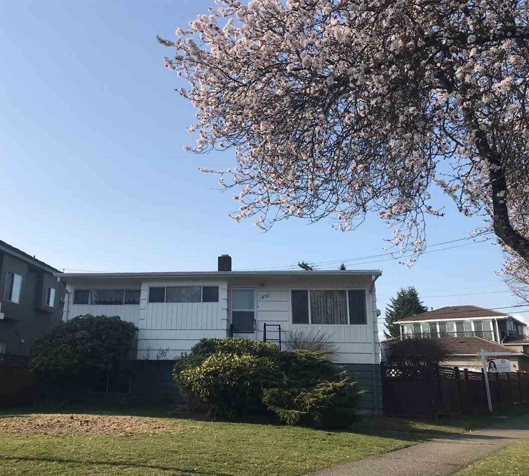 Main Photo: 1891 E 56TH Avenue in Vancouver: Fraserview VE House for sale (Vancouver East)  : MLS®# R2345196