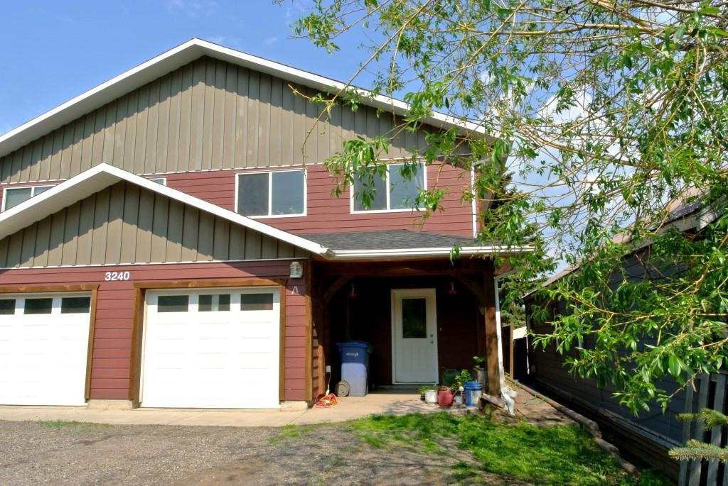 Main Photo: 3240 RAILWAY Avenue in Smithers: Smithers - Town House 1/2 Duplex for sale (Smithers And Area (Zone 54))  : MLS®# R2373224