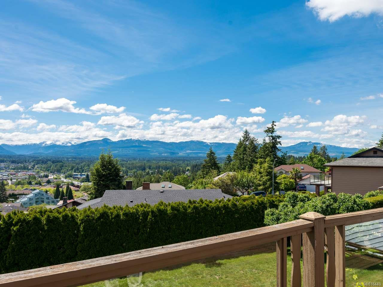 Main Photo: 561 Washington Cres in COURTENAY: CV Courtenay East House for sale (Comox Valley)  : MLS®# 816449