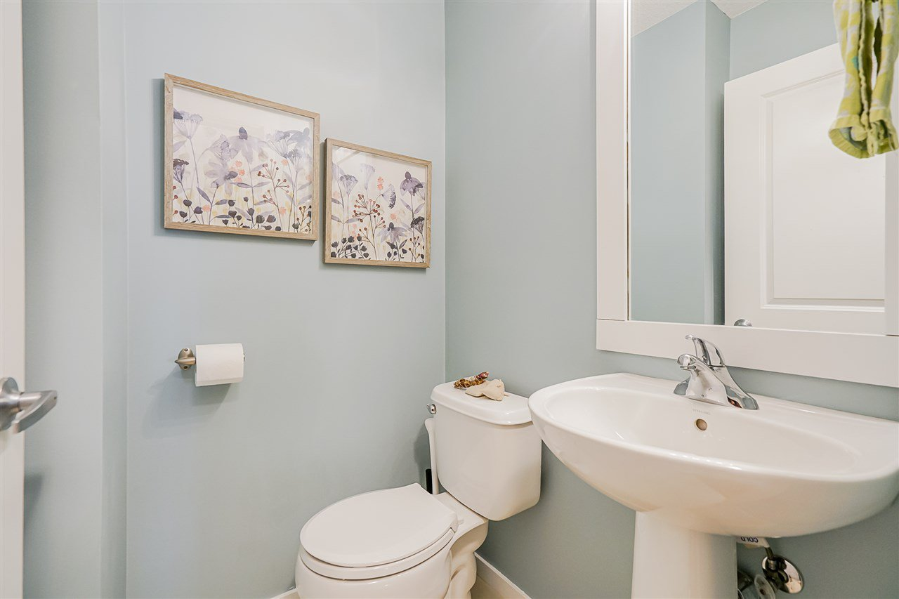 """Photo 12: Photos: 16 6736 SOUTHPOINT Drive in Burnaby: South Slope Townhouse for sale in """"SOUTHPOINT"""" (Burnaby South)  : MLS®# R2433523"""