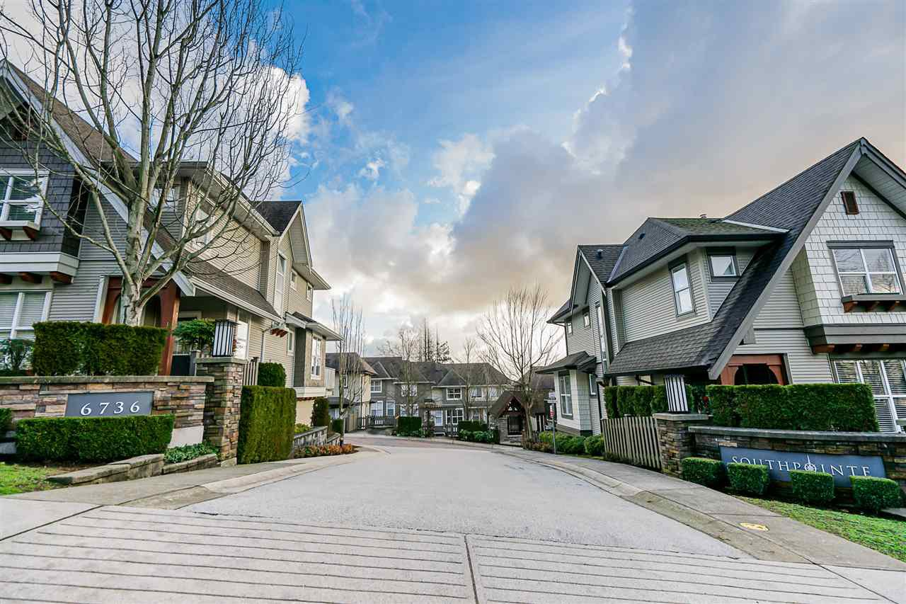 "Main Photo: 16 6736 SOUTHPOINT Drive in Burnaby: South Slope Townhouse for sale in ""SOUTHPOINT"" (Burnaby South)  : MLS®# R2433523"