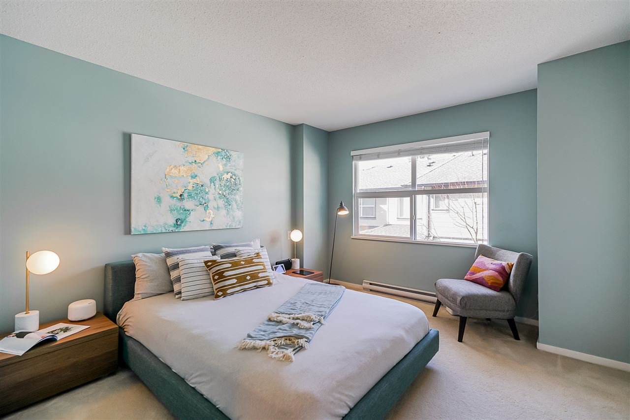 """Photo 13: Photos: 16 6736 SOUTHPOINT Drive in Burnaby: South Slope Townhouse for sale in """"SOUTHPOINT"""" (Burnaby South)  : MLS®# R2433523"""
