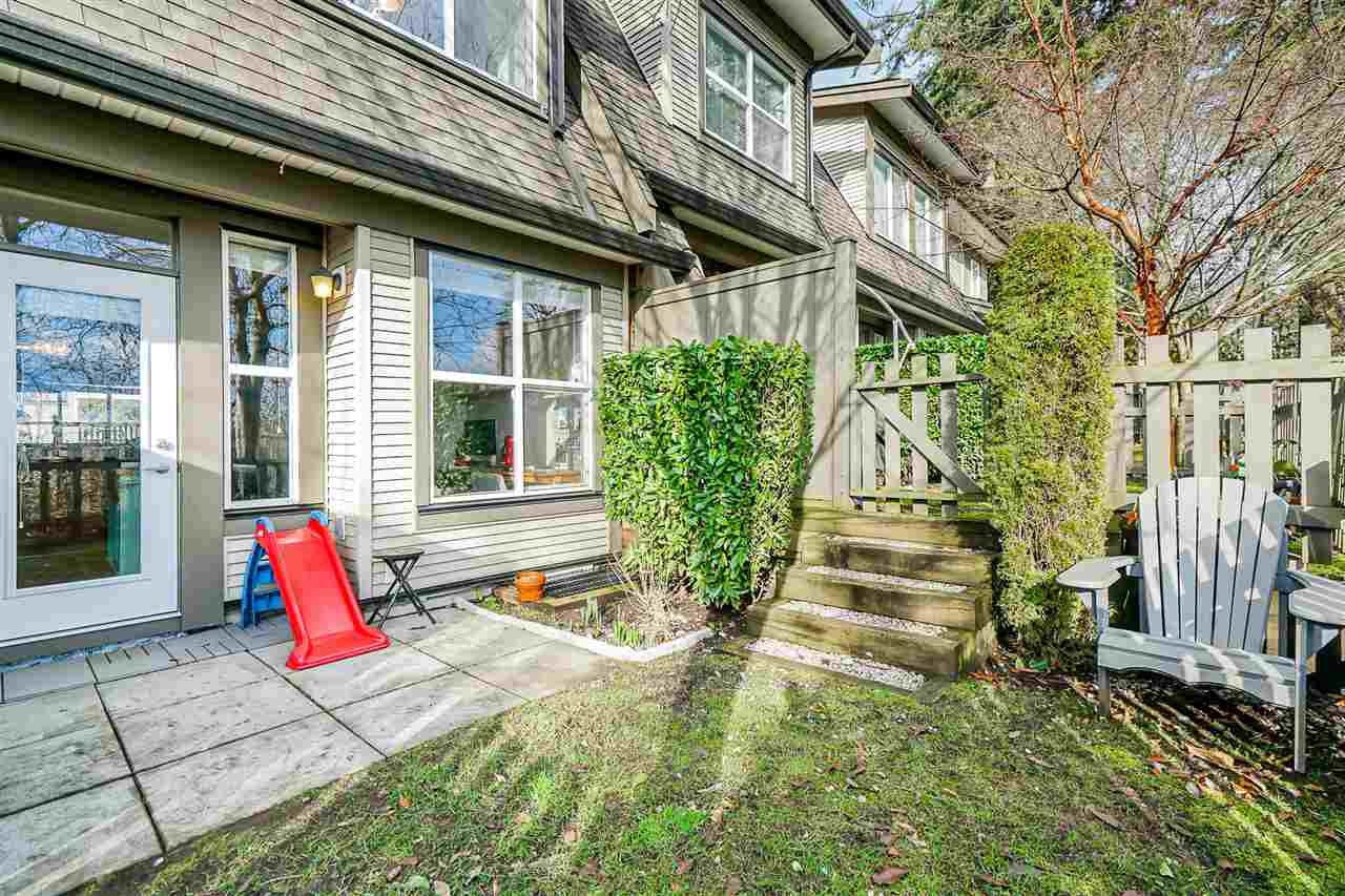 """Photo 19: Photos: 16 6736 SOUTHPOINT Drive in Burnaby: South Slope Townhouse for sale in """"SOUTHPOINT"""" (Burnaby South)  : MLS®# R2433523"""