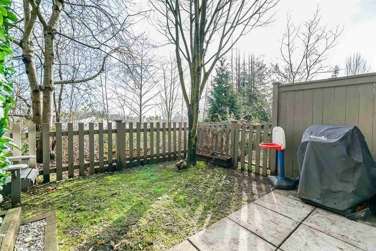 """Photo 20: Photos: 16 6736 SOUTHPOINT Drive in Burnaby: South Slope Townhouse for sale in """"SOUTHPOINT"""" (Burnaby South)  : MLS®# R2433523"""